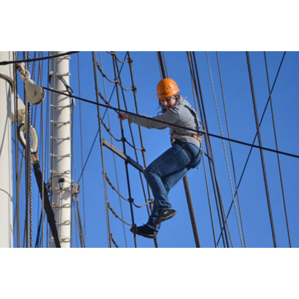 Klettern auf dem Segelschiff in Hamburg für 2