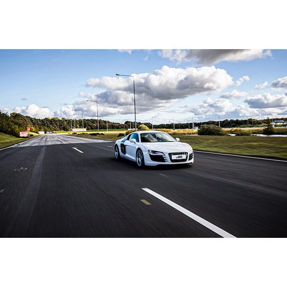 Sportwagen fahren in der Arena Oschersleben (60 Minuten)