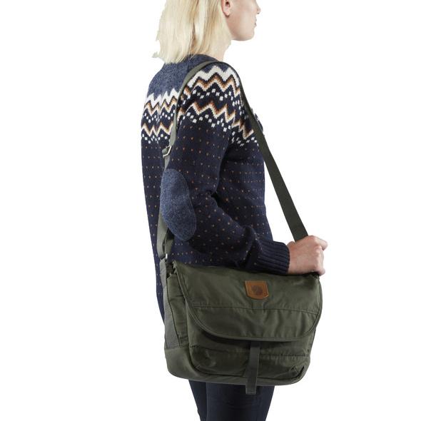 Fjällräven Messenger Bag Greenland Shoulder Bag S deep forest
