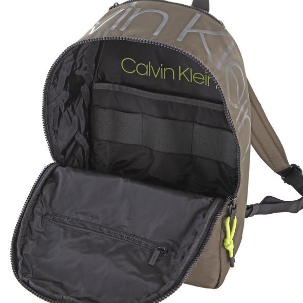 Calvin Klein Rucksack Trail 16l camouflage