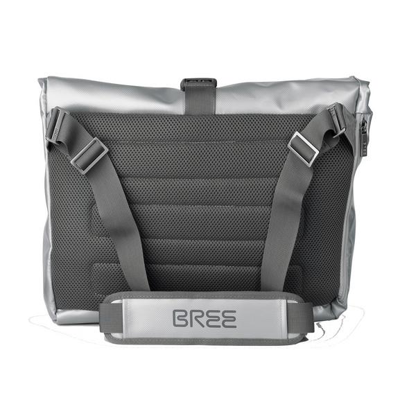 Bree Messenger Bag Punch 715 Shiny silver