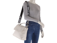 Calvin Klein Jeans Kurzgriff Tasche CKJ Ultra Light Flap Shoulderbag stone